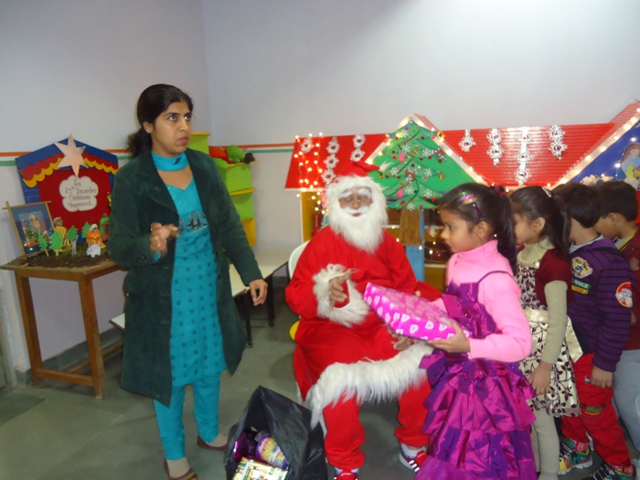 Christmas Celebration by Pre Primaries | The Indian School