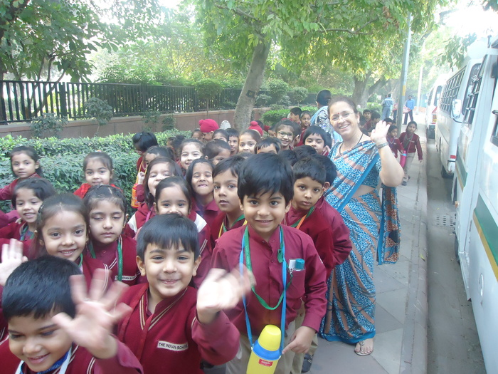Pre-primary excursion to India Gate and the Metro Museum